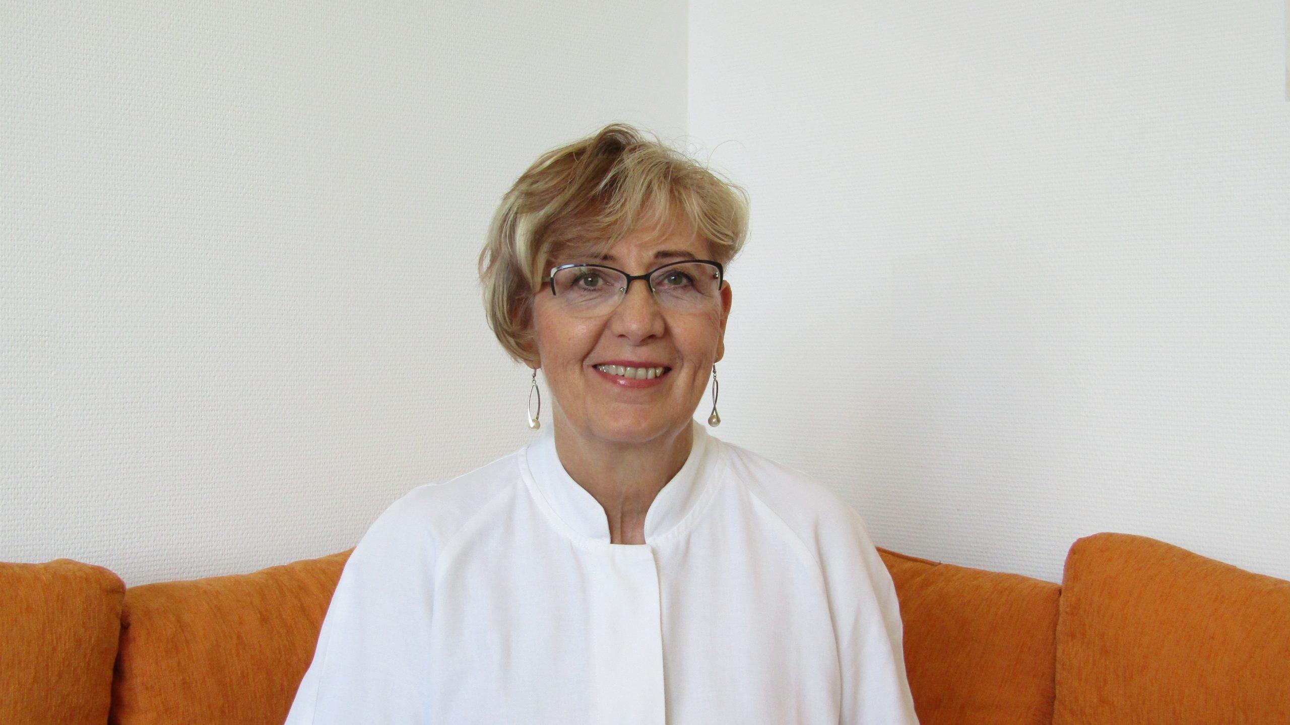 Dr. Várnai Lívia