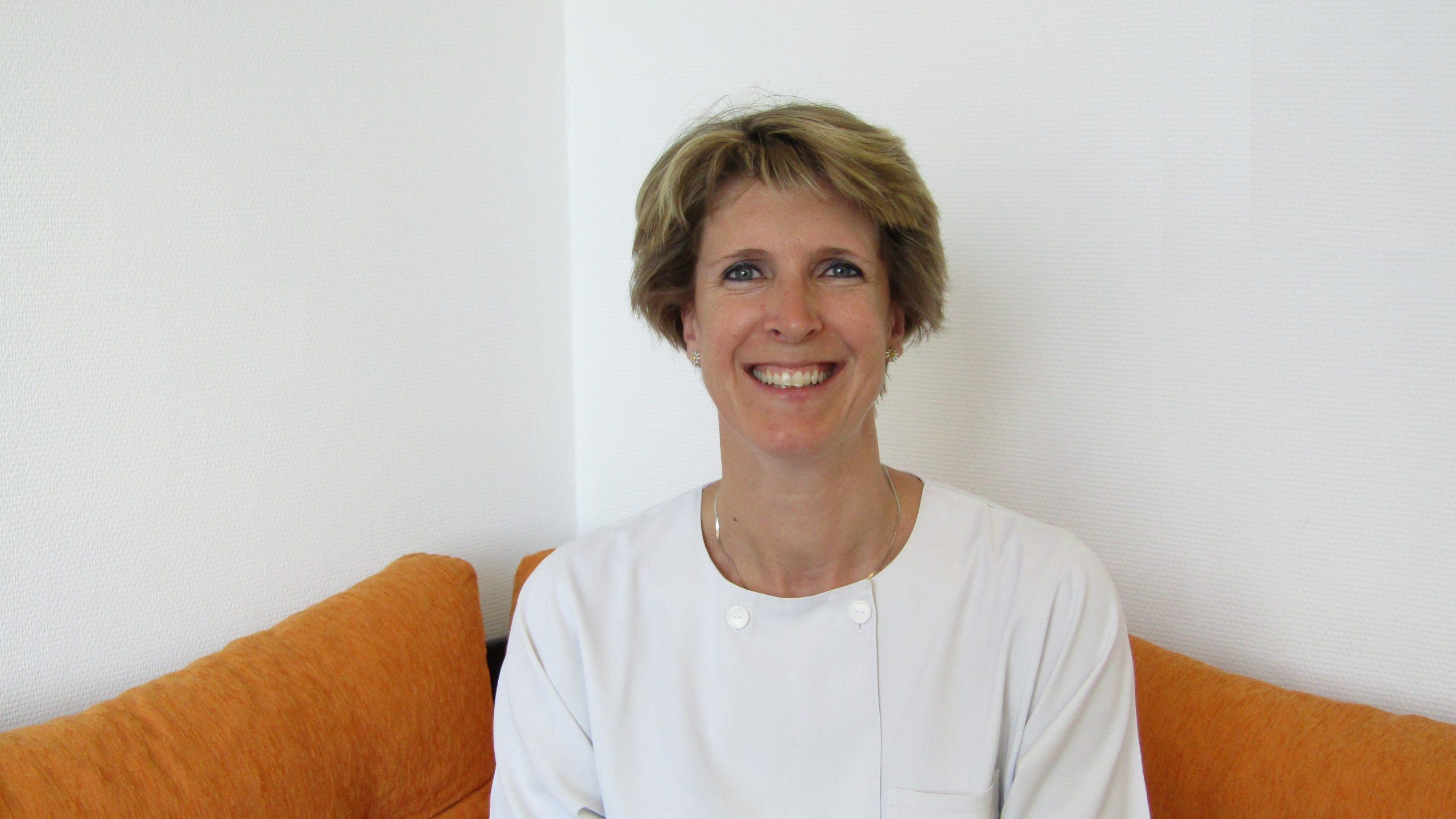 Dr. Reichart Katalin